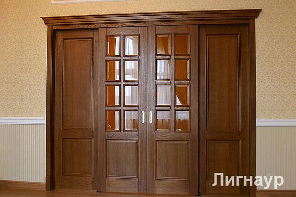 Деревянные раздвижные двери купе из