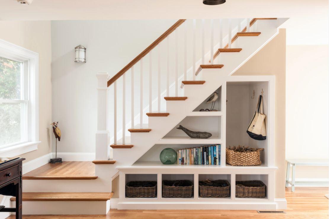 Пространство под лестницей (45 фото) Дом Мечты 68